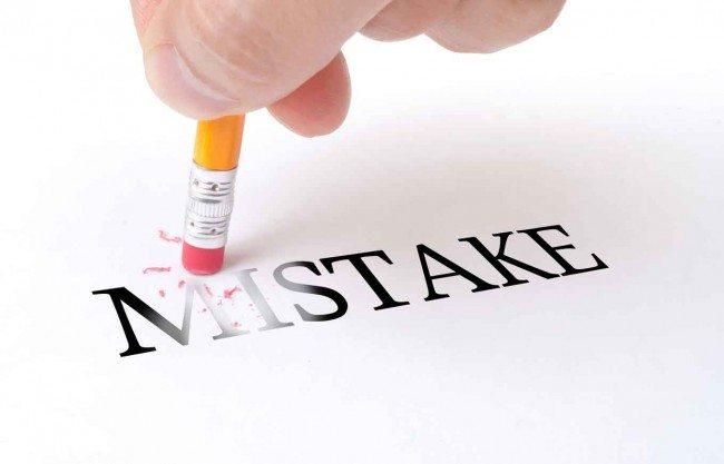 4-Credit-Mistakes-Damaging-Score_iStockphoto